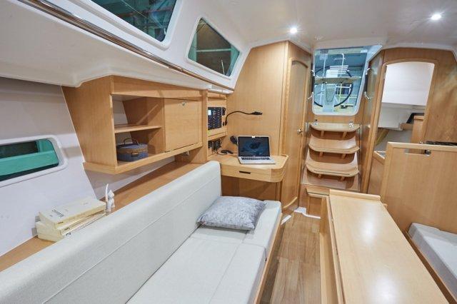 Trend Travel Yachting, Jeanneau Sun Odyssey 319. Innen.