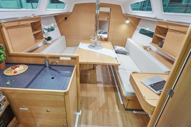 Trend Travel Yachting, Jeanneau Sun Odyssey 319. Innen 3
