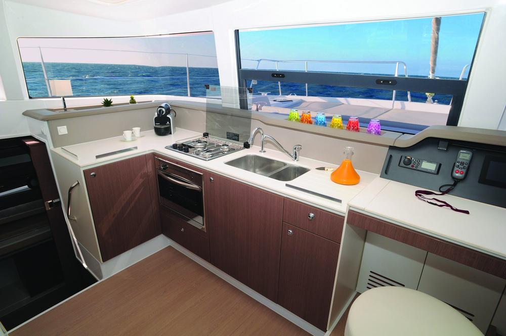 Bali 4.1 Trend Travel Yachting