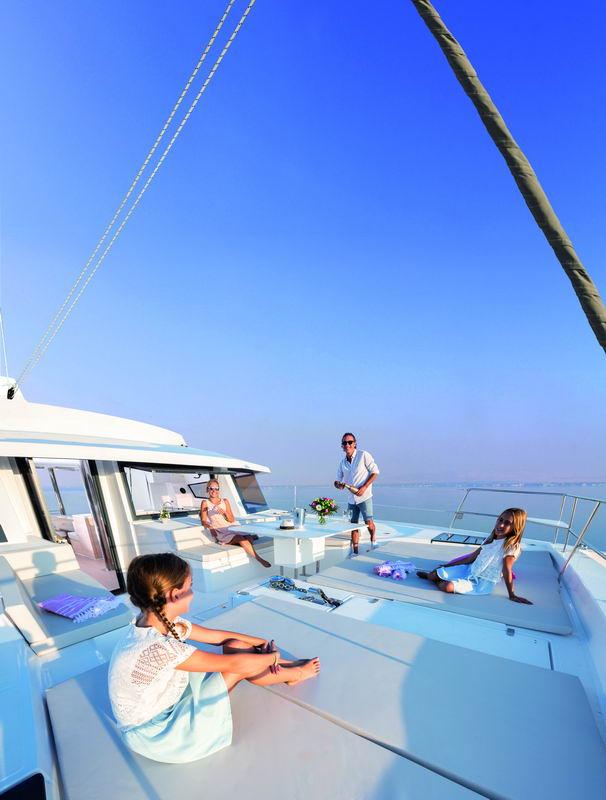 Trend Travel Yachting Bali 5.4 Katamaran, Aussen (2)