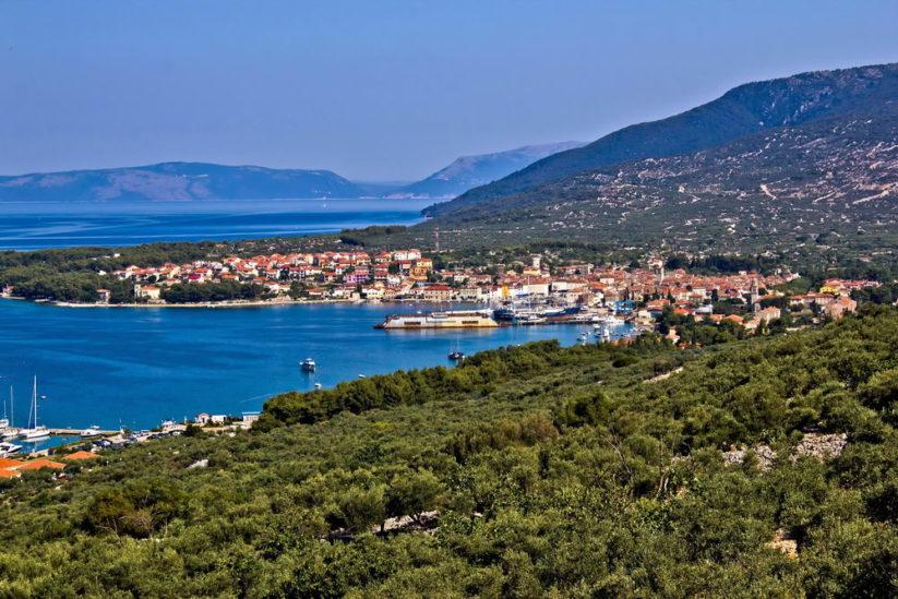 Trend Travel Yachting. Yachtcharter Kroatien, segeln in der Bucht vor Cres