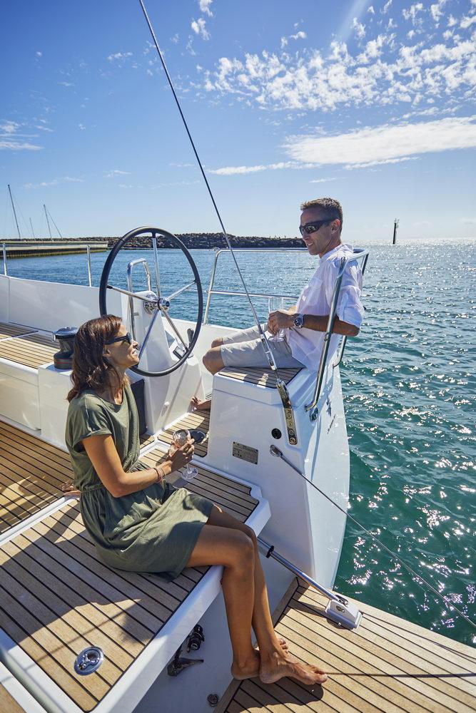 Trend Travel Yachting Jeanneau Sun Odyssey 490, Chartern oder Kaufen. Sonne geniessen am Deck (15)
