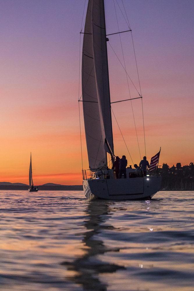 Trend Travel Yachting Jeanneau Sun Odyssey 490, Chartern oder Kaufen. Sonnenuntergang geniessen am Deck (1)