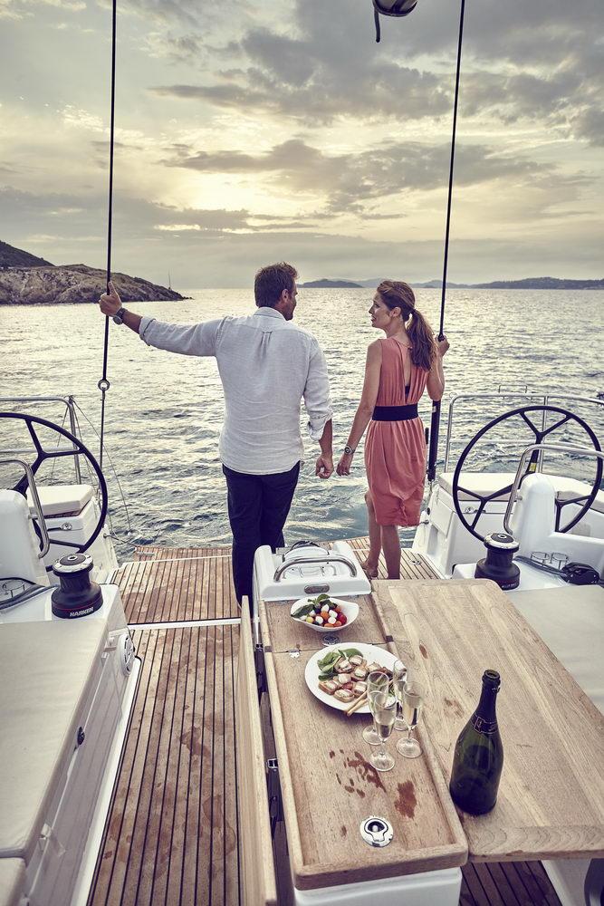 Trend Travel Yachting Jeanneau Sun Odyssey 490, Chartern oder Kaufen. Mit Cockpittisch aus Holz (4)
