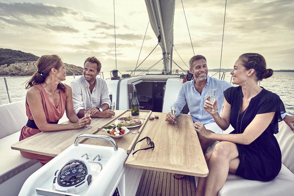 Trend Travel Yachting Jeanneau Sun Odyssey 490, Chartern oder Kaufen. Mit Cockpittisch aus Holz (1)