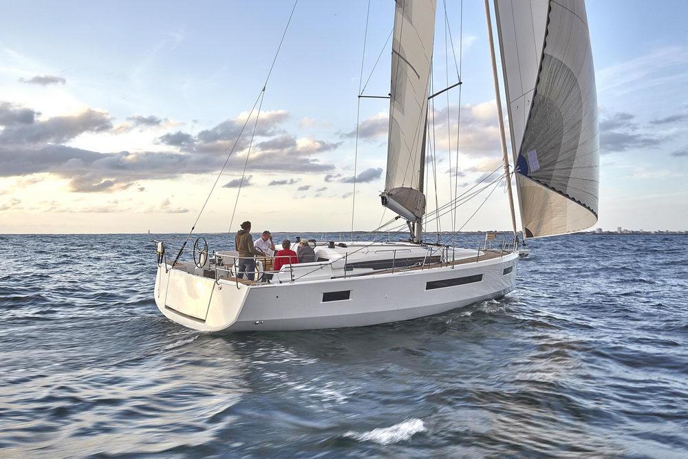 Trend Travel Yachting Jeanneau Sun Odyssey 490, unter Segeln (49) Chartern oder Kaufen.