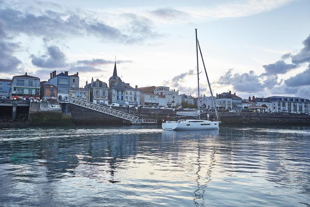 Trend Travel Yachting Jeanneau Sun Odyssey 490, Chartern oder Kaufen. Vor Anker (4)