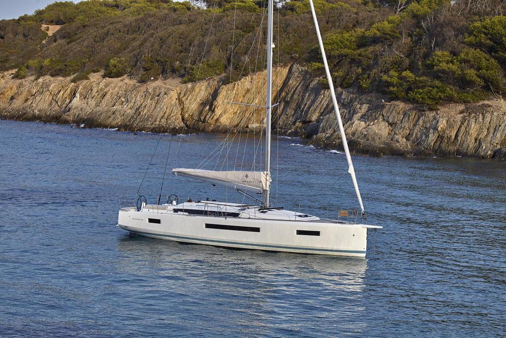 Trend Travel Yachting Jeanneau Sun Odyssey 490, Chartern oder Kaufen. Vor Anker (2)