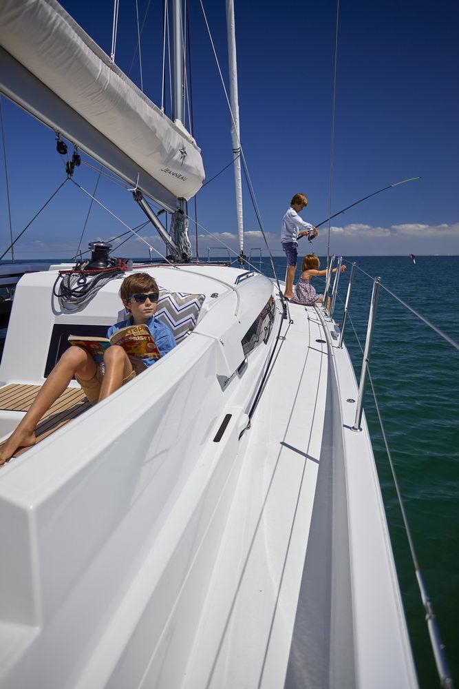 Trend Travel Yachting Jeanneau Sun Odyssey 490, Chartern oder Kaufen. Sonne geniessen am Deck (8)