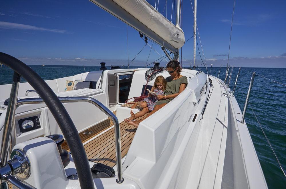Trend Travel Yachting Jeanneau Sun Odyssey 490, Chartern oder Kaufen. Sonne geniessen am Deck (7)