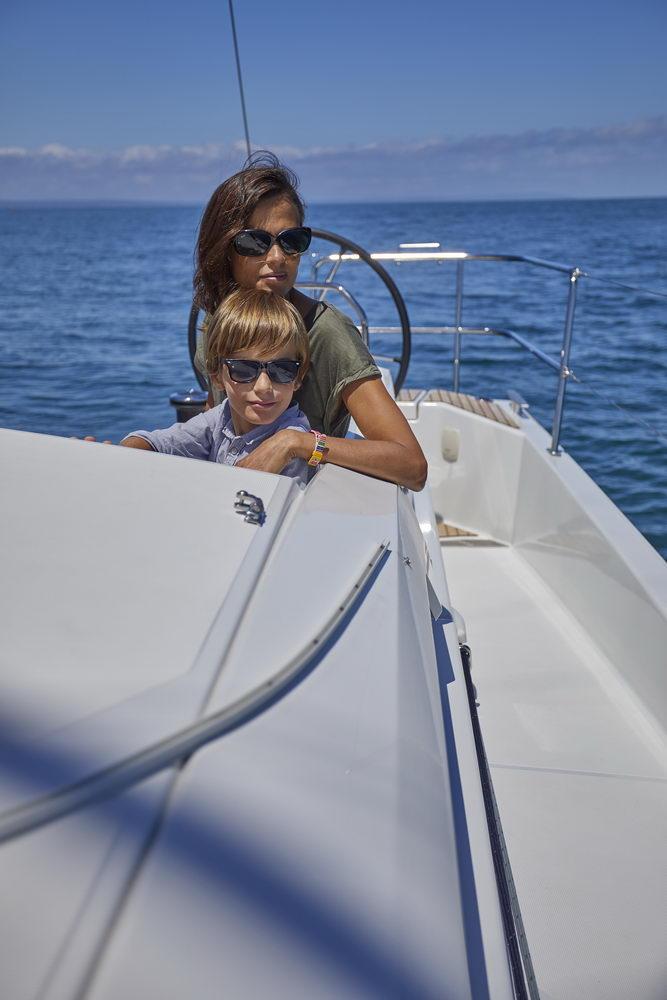 Trend Travel Yachting Jeanneau Sun Odyssey 490, Chartern oder Kaufen. Sonne geniessen am Deck (2)