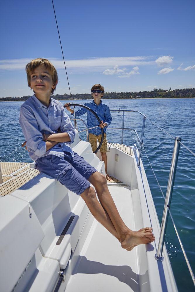 Trend Travel Yachting Jeanneau Sun Odyssey 490, Chartern oder Kaufen. Essen im Cockpit (3)