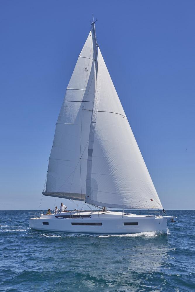 Trend Travel Yachting Jeanneau Sun Odyssey 490, unter Segeln (11) Chartern oder Kaufen.