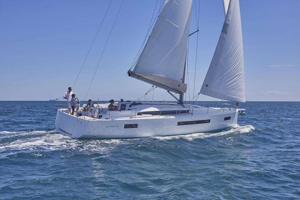Trend Travel Yachting Jeanneau Sun Odyssey 490, unter Segeln (9) Chartern oder Kaufen.