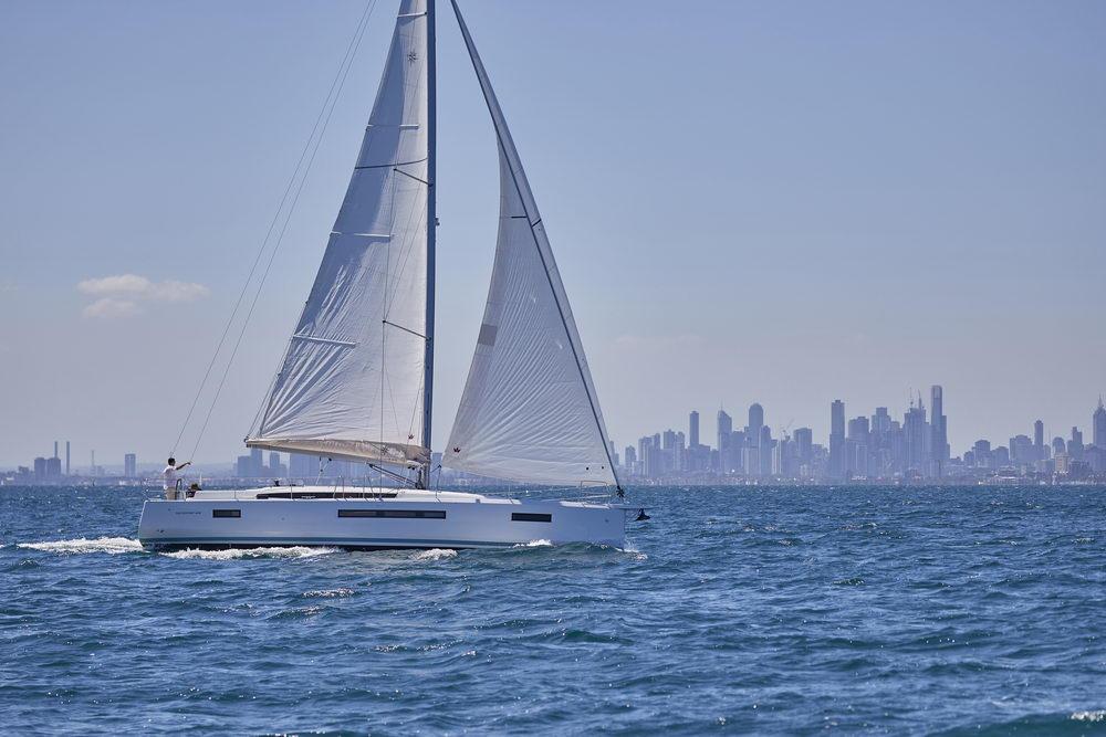 Trend Travel Yachting Jeanneau Sun Odyssey 490, unter Segeln (6) Chartern oder Kaufen.