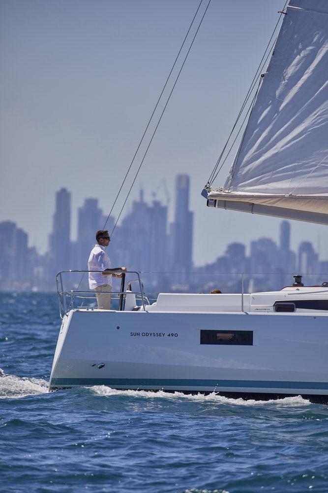 Trend Travel Yachting Jeanneau Sun Odyssey 490, unter Segeln (5) Chartern oder Kaufen.