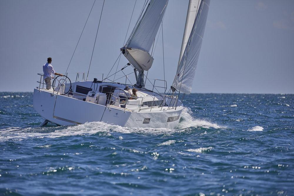 Trend Travel Yachting Jeanneau Sun Odyssey 490, unter Segeln (3) Chartern oder Kaufen.