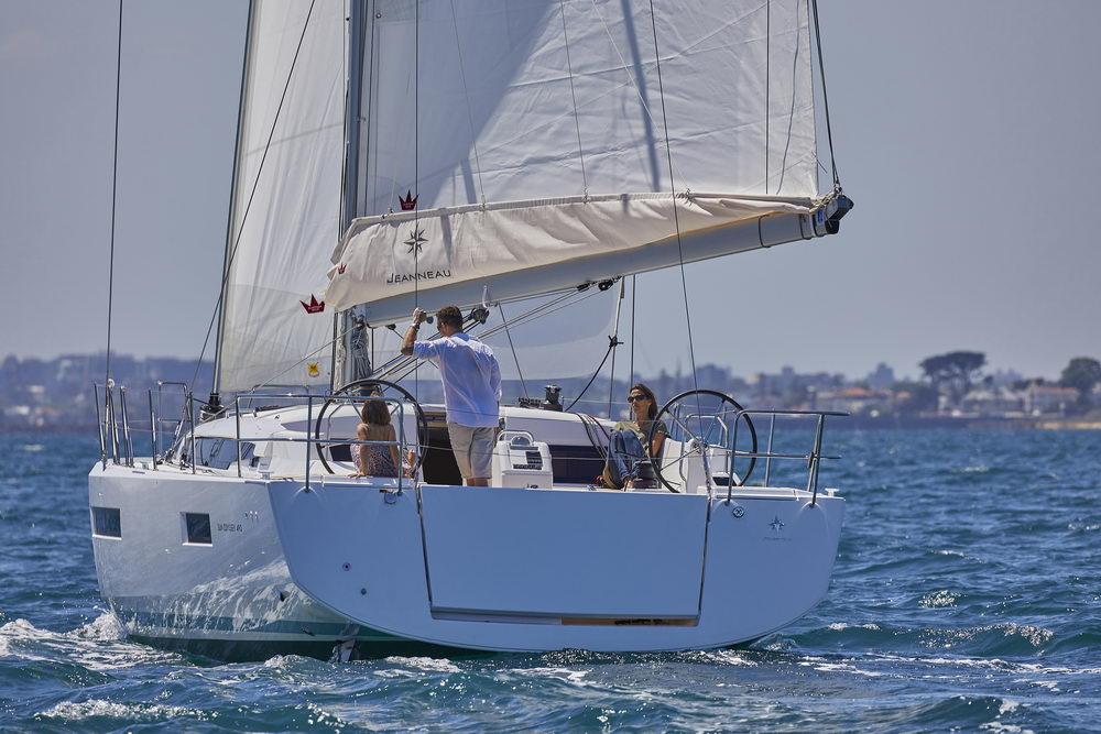 Trend Travel Yachting Jeanneau Sun Odyssey 490, unter Segeln (2) Chartern oder Kaufen.