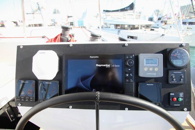 Trend Travel Yachting NEEL 51 Innen (1)