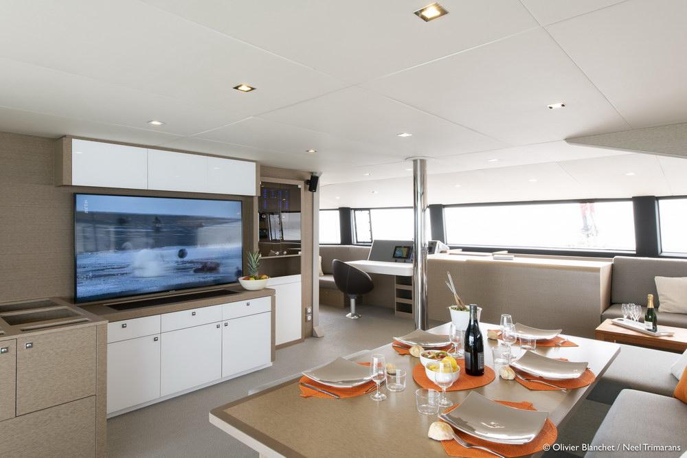 Trend Travel Yachting NEEL 65 Trimaran Innen (12)