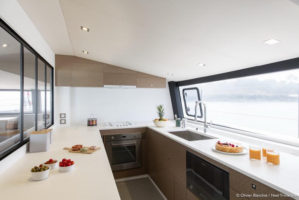 Trend Travel Yachting NEEL 65 Trimaran Innen (13)