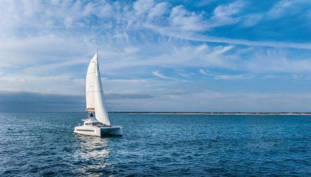 Bali 4.3 Trend Travel Yachting