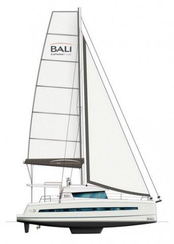 Trend Travel Yachting Bali 4.3 Katamaran Seitenansicht