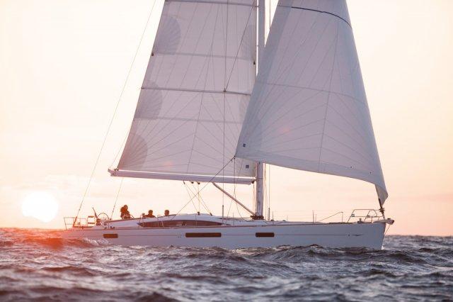 Trend Travel Yachting, Jeanneau Yacht 58. Kaufen oder Chartern beim Charterspezialist weltweit. Aussenansicht (2)