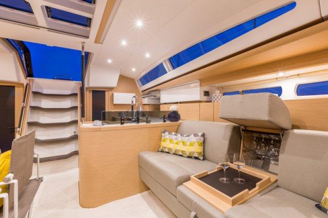Trend Travel Yachting, Jeanneau Yacht 58. Kaufen oder Chartern beim Charterspezialist weltweit. Interieur (4)