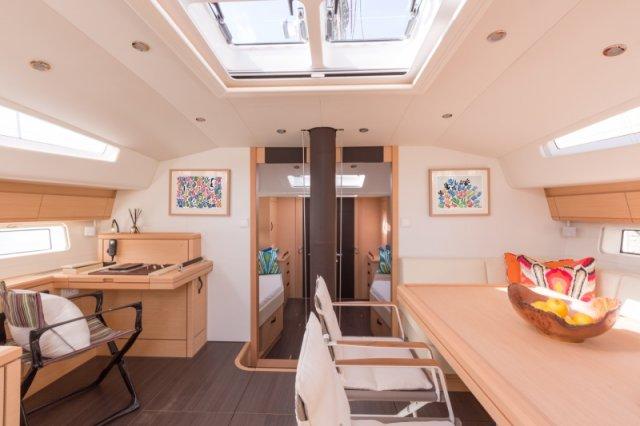 Trend Travel Yachting. Kaufen oder Chartern beim Segelspezialisten. Jeanneau Yacht 64, Interieur (5)