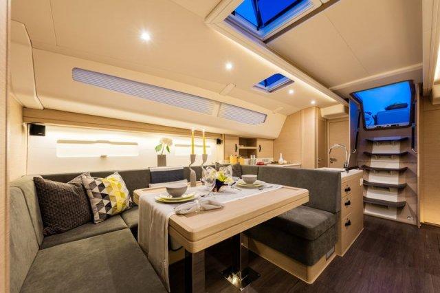 Trend Travel Yachting, Jeanneau Yacht 51. Kaufen oder Chartern beim Charterspezialist. Salon (5)