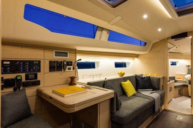 Trend Travel Yachting, Jeanneau Yacht 51. Kaufen oder Chartern beim Charterspezialist. Salon (4)