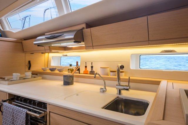 Trend Travel Yachting, Jeanneau Yacht 54. Kaufen oder Chartern beim Charterspezialist. Interieur (15)
