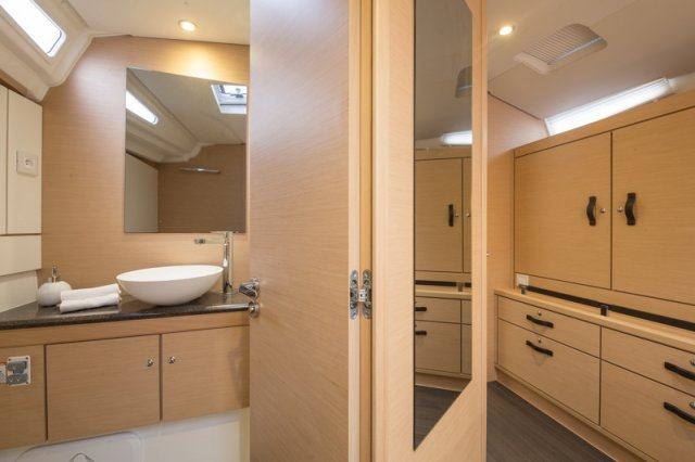 Trend Travel Yachting, Jeanneau Yacht 54. Kaufen oder Chartern beim Charterspezialist. Interieur (10)