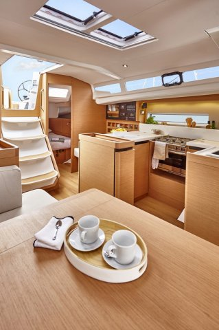 Trend Travel Yachting, Jeanneau Sun Odyssey 440, Yacht of the Year 2018. Innenbereich - 1