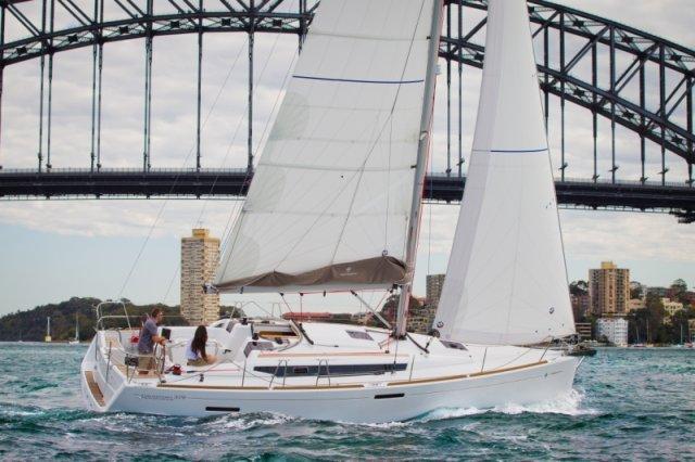 trend-travel-yachting-yachtverkauf-sun-odyssey-sun-odyssey-389-Aussenbilder-1