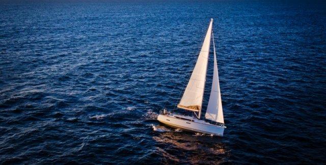 trend-travel-yachting-yachtverkauf-sun-odyssey-sun-odyssey-389-Aussenbilder-3