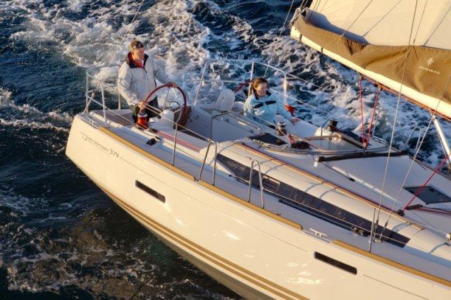 trend-travel-yachting-yachtverkauf-sun-odyssey-sun-odyssey-389-Aussenbilder-6