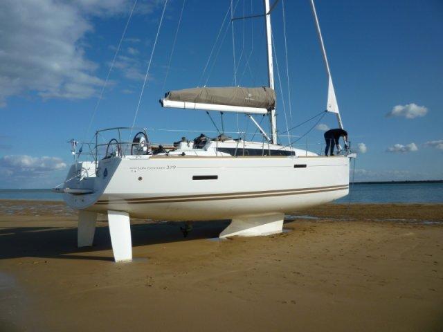 trend-travel-yachting-yachtverkauf-sun-odyssey-sun-odyssey-389-Aussenbilder-9