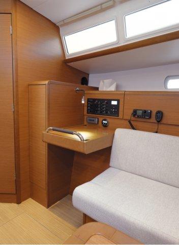trend-travel-yachting-yachtverkauf-sun-odyssey-sun-odyssey-389-Innenbilder-13