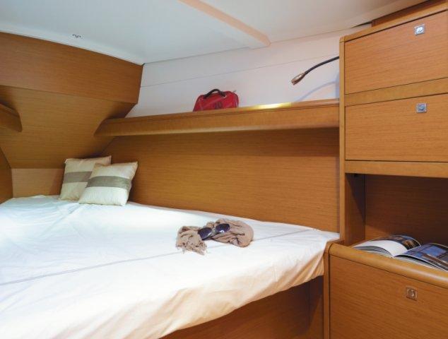 trend-travel-yachting-yachtverkauf-sun-odyssey-sun-odyssey-389-Innenbilder-2