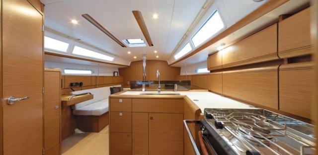 trend-travel-yachting-yachtverkauf-sun-odyssey-sun-odyssey-389-Innenbilder-5