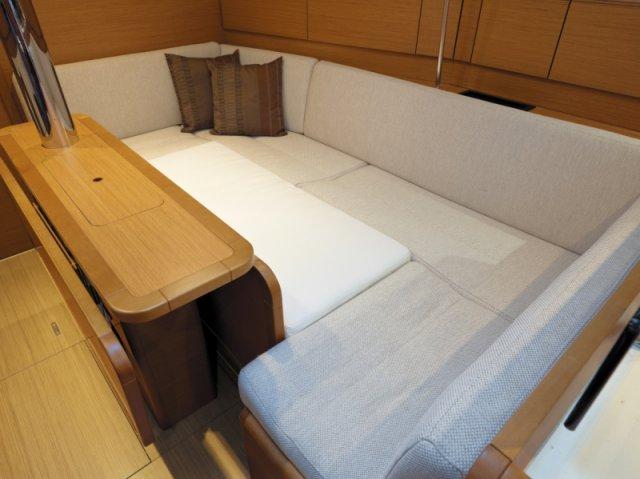 trend-travel-yachting-yachtverkauf-sun-odyssey-sun-odyssey-389-Innenbilder-7