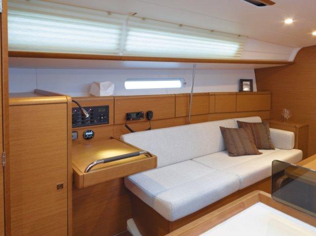 trend-travel-yachting-yachtverkauf-sun-odyssey-sun-odyssey-389-Innenbilder-9