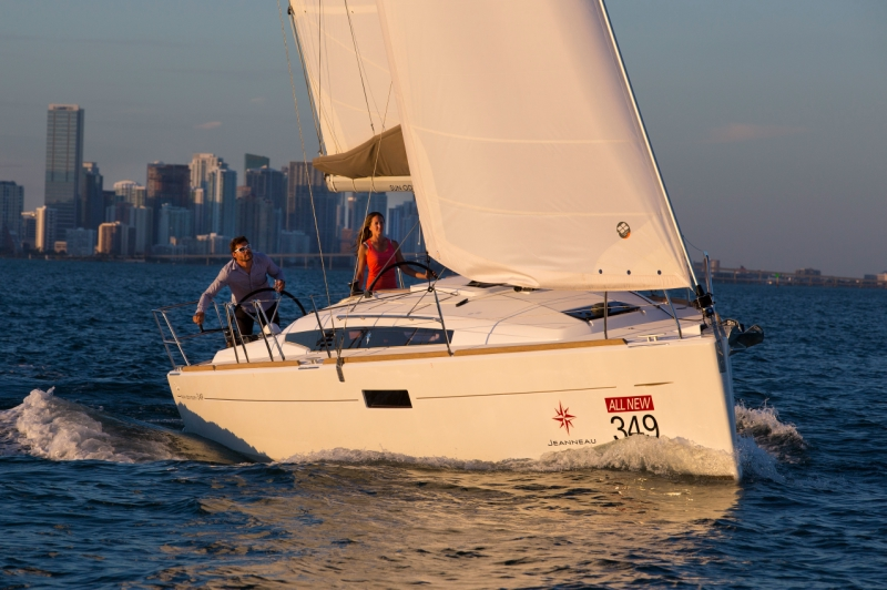 Jeanneau Sun Odyssey 349 unter Segeln (3)