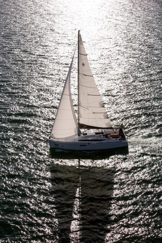 Jeanneau Sun Odyssey 349 unter Segeln (10)