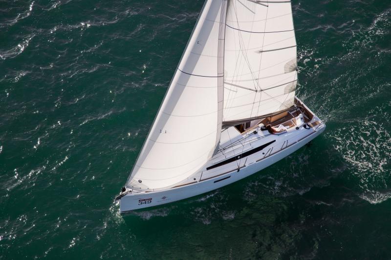 Jeanneau Sun Odyssey 349 unter Segeln (11)