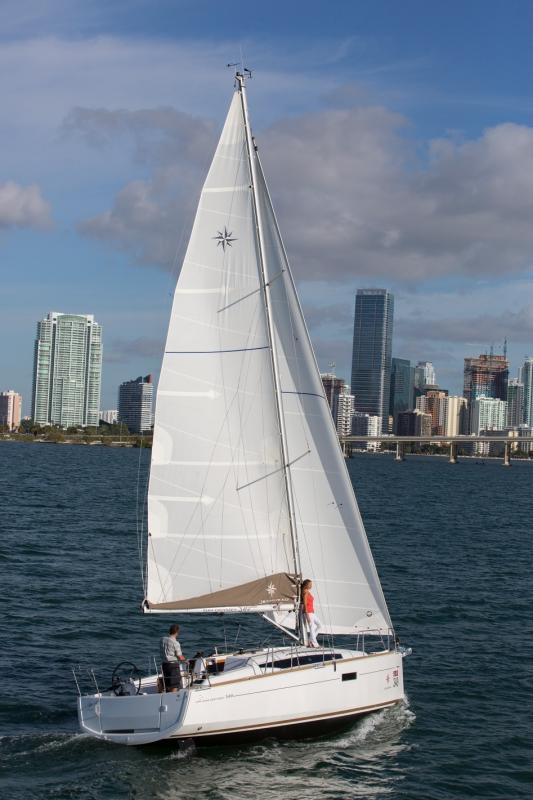 Jeanneau Sun Odyssey 349 unter Segeln (13)