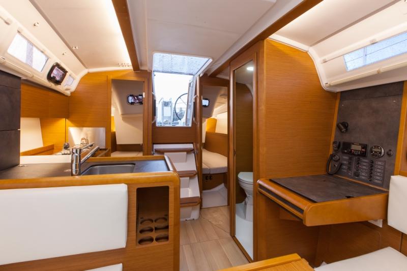 Trend Travel Yachting Sun Odyssey 349 Innen a