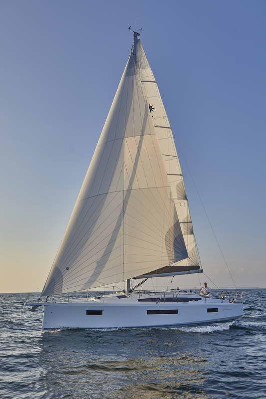 Trend Travel Yachting Sun Odyssey 410 Aussen (1)